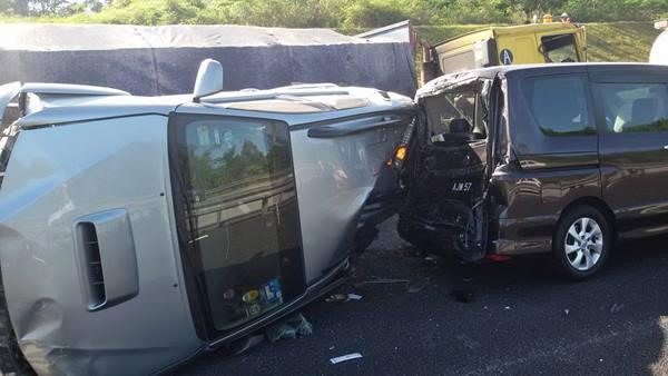 gambar kemalangan 2 beranak